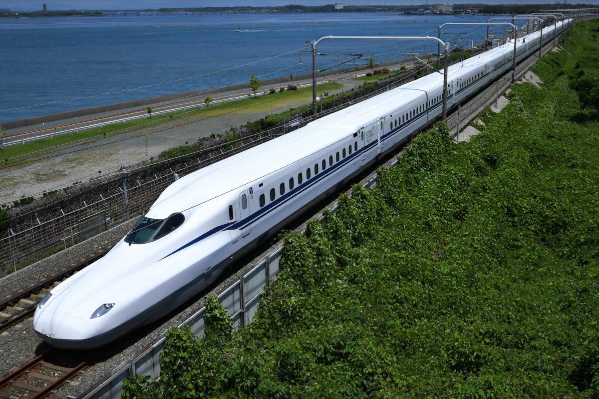 tàu-tốc-hành-Shinkanshen