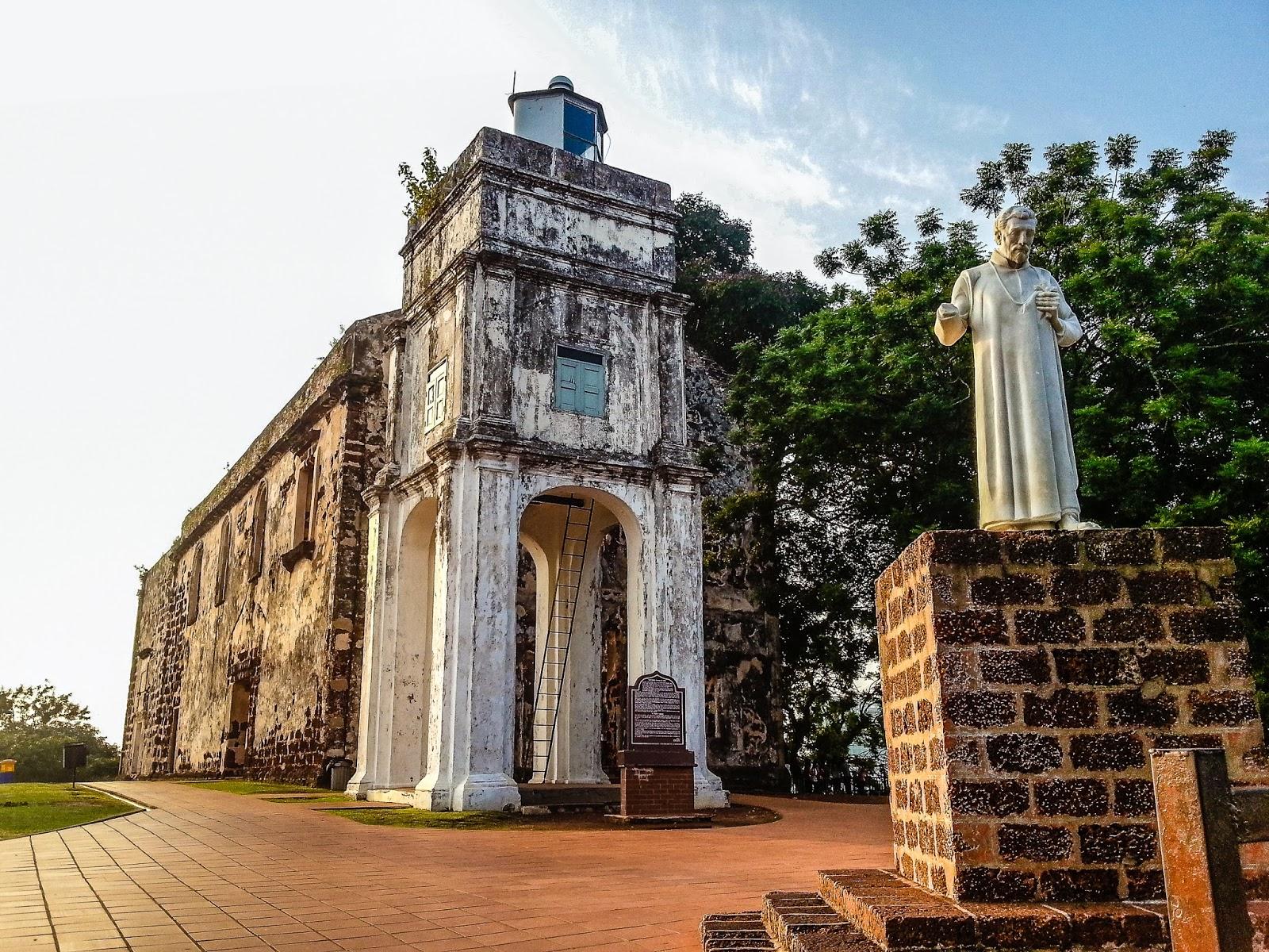 nha-tho-thanh-saint-paul-malaysia-viettourist (3)